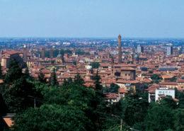 Bologna_dall_alto_verde